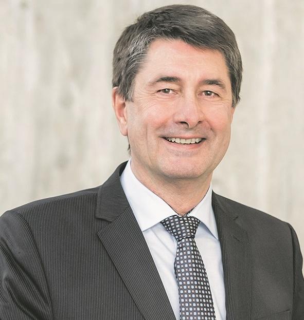 Portrait: Prof. Dr. Bernhard Weber